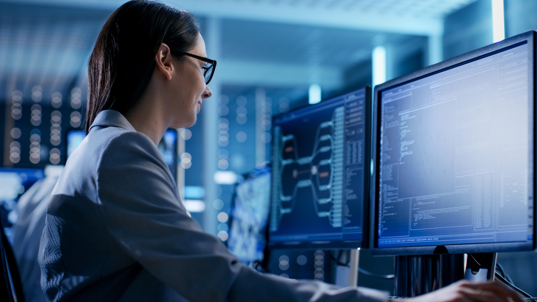 ingeniero en sistemas La ingeniería en sistemas computacionales es la integración de procesos, aplicaciones, herramientas y equipos conformados en un sistema que permitirá lograr objetivos específicos personales, organizacionales, académicos, científicos, estatales o mundiales, entre otros.